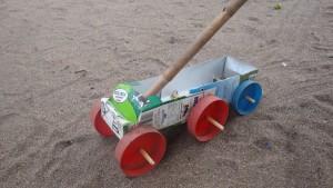 Malawi: Spielzeug aus Abfall